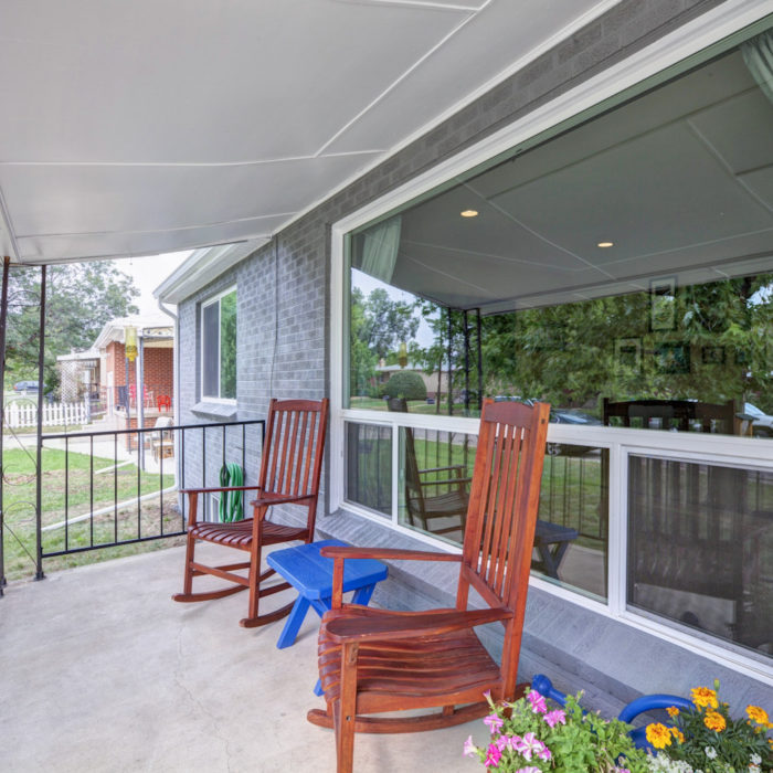 LISTING: 2030 Kendall St