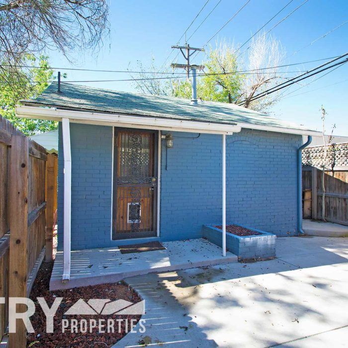 RENTAL: 1625 1/2 S Lincoln St