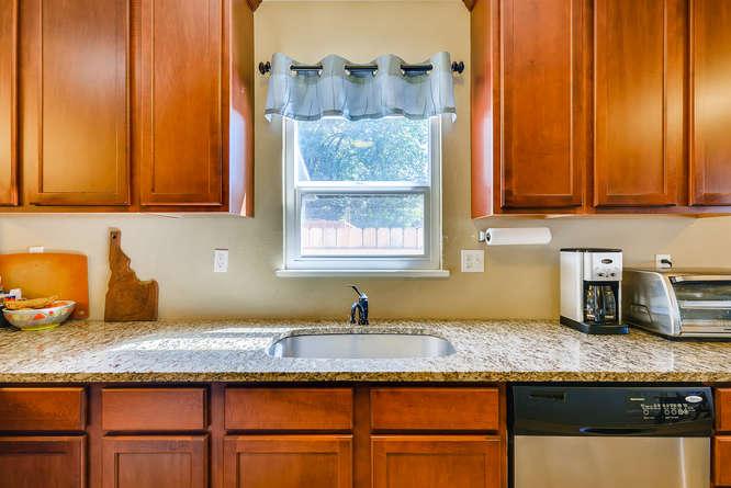 4223 Stuart St Denver CO 80212-small-011-6-Kitchen-666x445-72dpi
