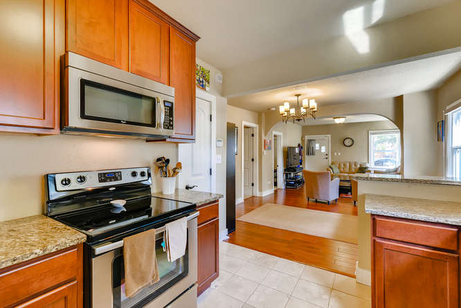 4223 Stuart St Denver CO 80212-small-013-21-Kitchen-666x445-72dpi