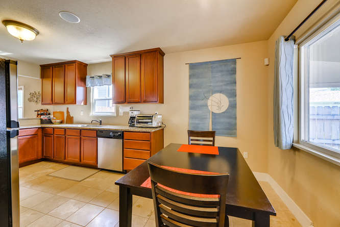 4223 Stuart St Denver CO 80212-small-015-14-Breakfast Area-666x445-72dpi