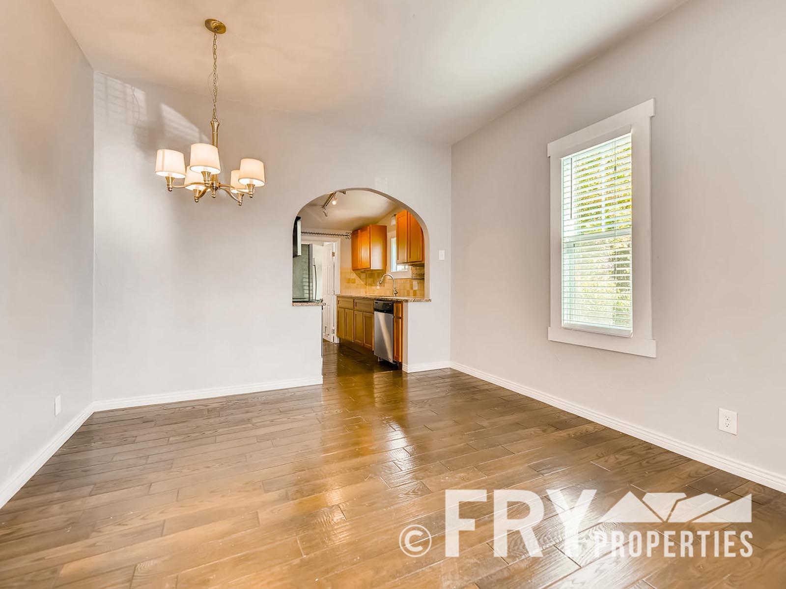 2808 S Delaware Street-large-007-2-Dining Room-1499x1000-72dpi