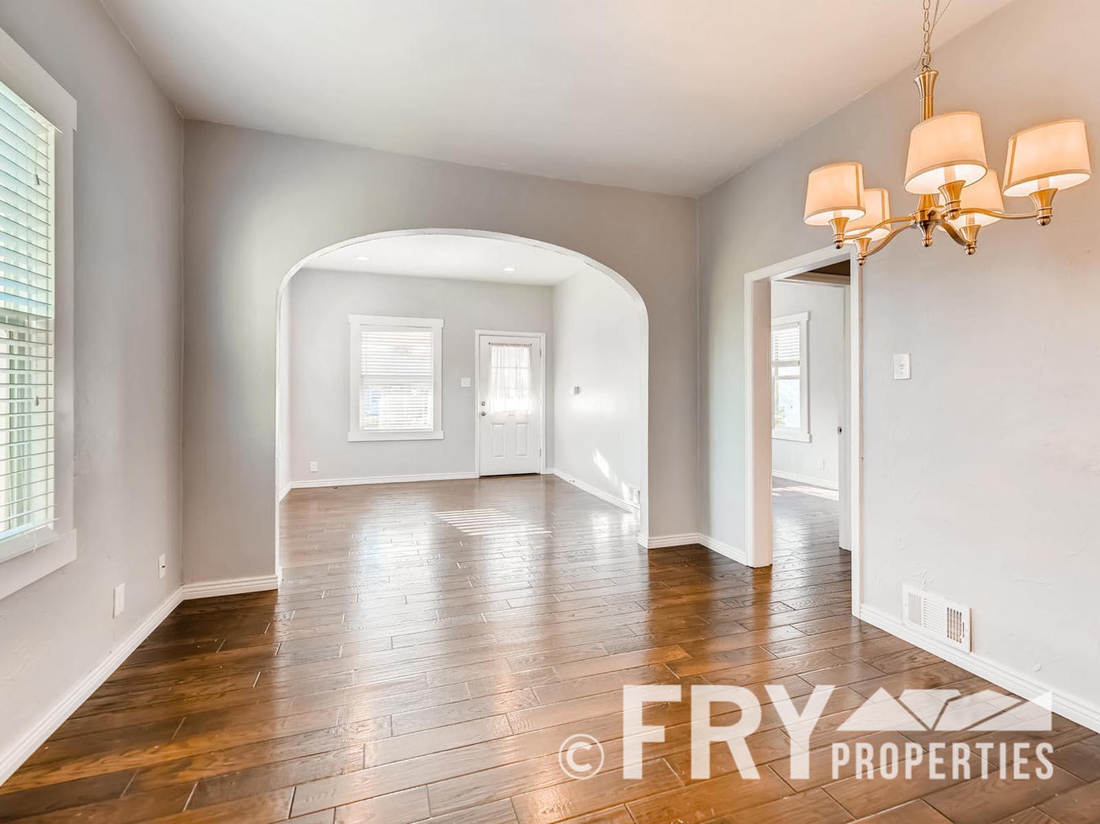 2808 S Delaware Street-large-008-3-Dining Room-1499x1000-72dpi