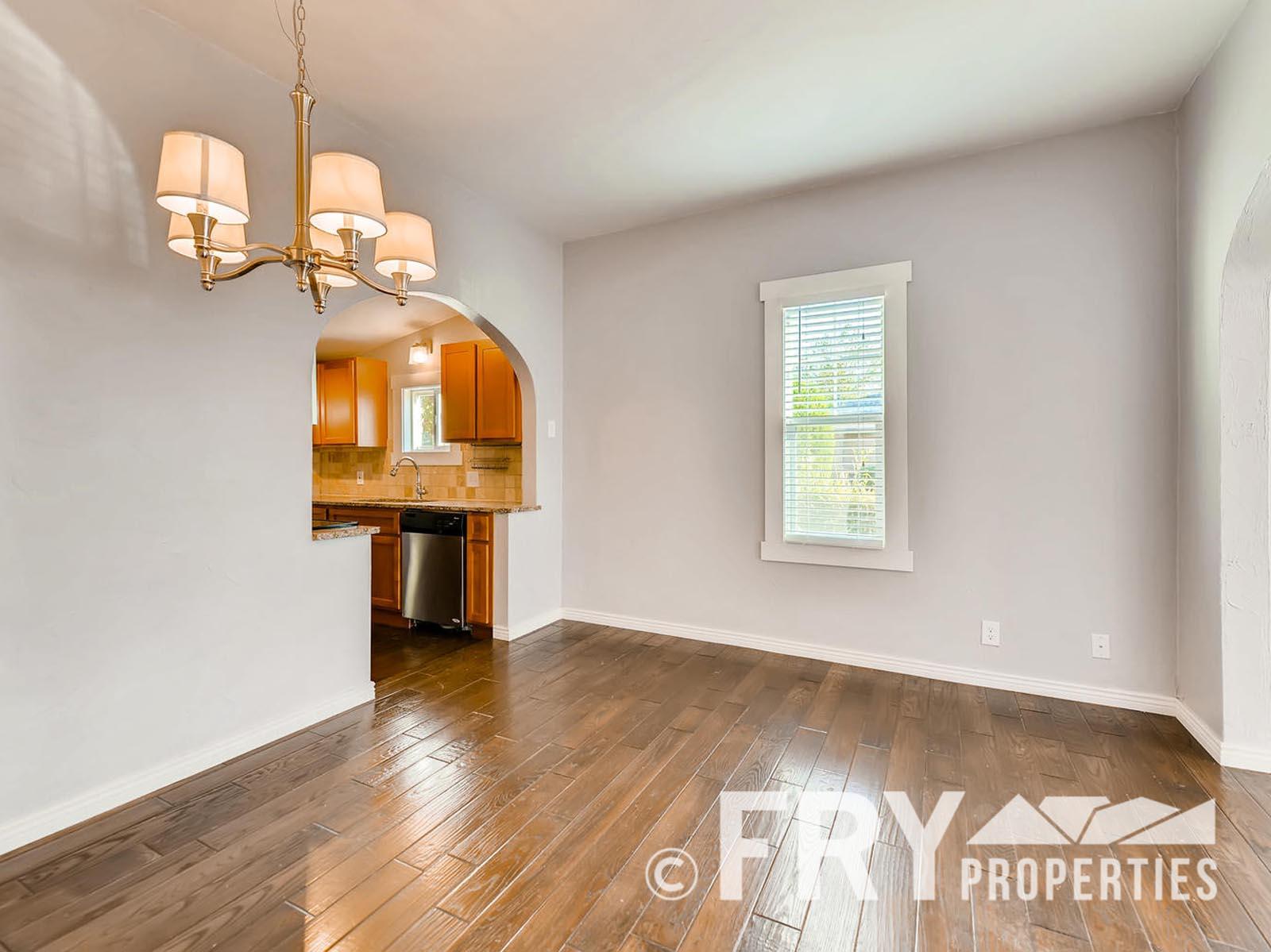 2808 S Delaware Street-large-009-18-Dining Room-1499x1000-72dpi