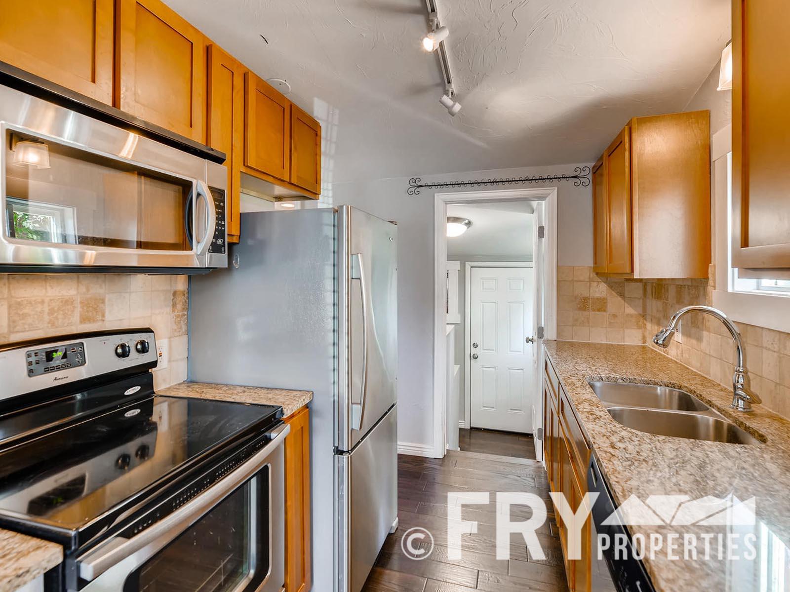 2808 S Delaware Street-large-010-22-Kitchen-1499x1000-72dpi