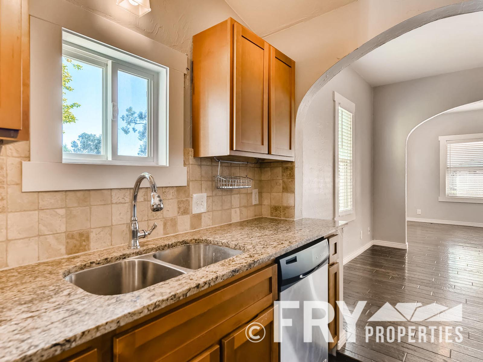 2808 S Delaware Street-large-012-20-Kitchen-1499x1000-72dpi