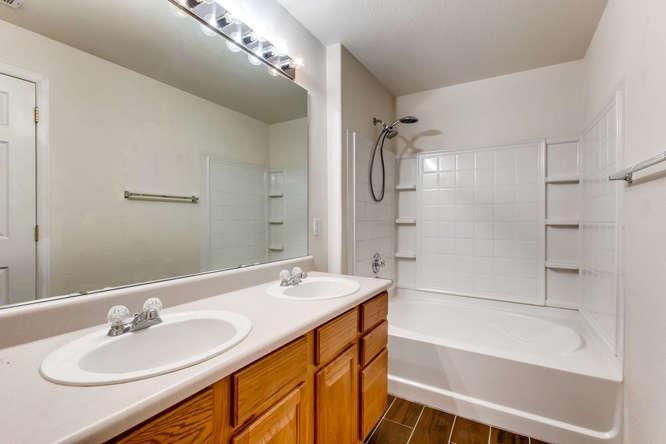 10165 E Carolina Pl 102 Denver-small-021-26-Master Bathroom-666x444-72dpi