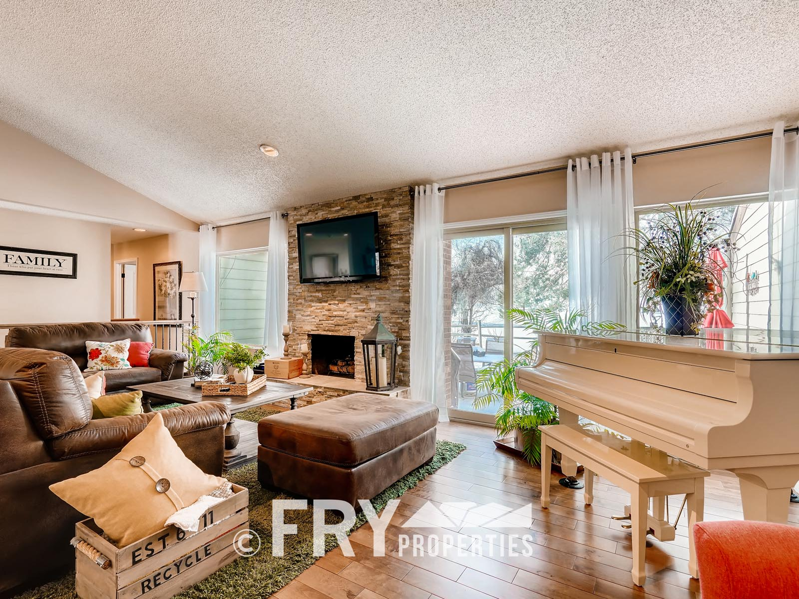 6305 W 6th Ave Unit A6-print-003-8-Living Room-3600x2400-300dpi