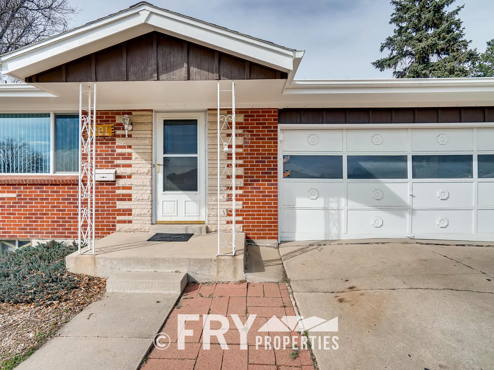 961 W 79th Place Denver CO-print-003-8-Exterior Front Entry-3600x2400-300dpi