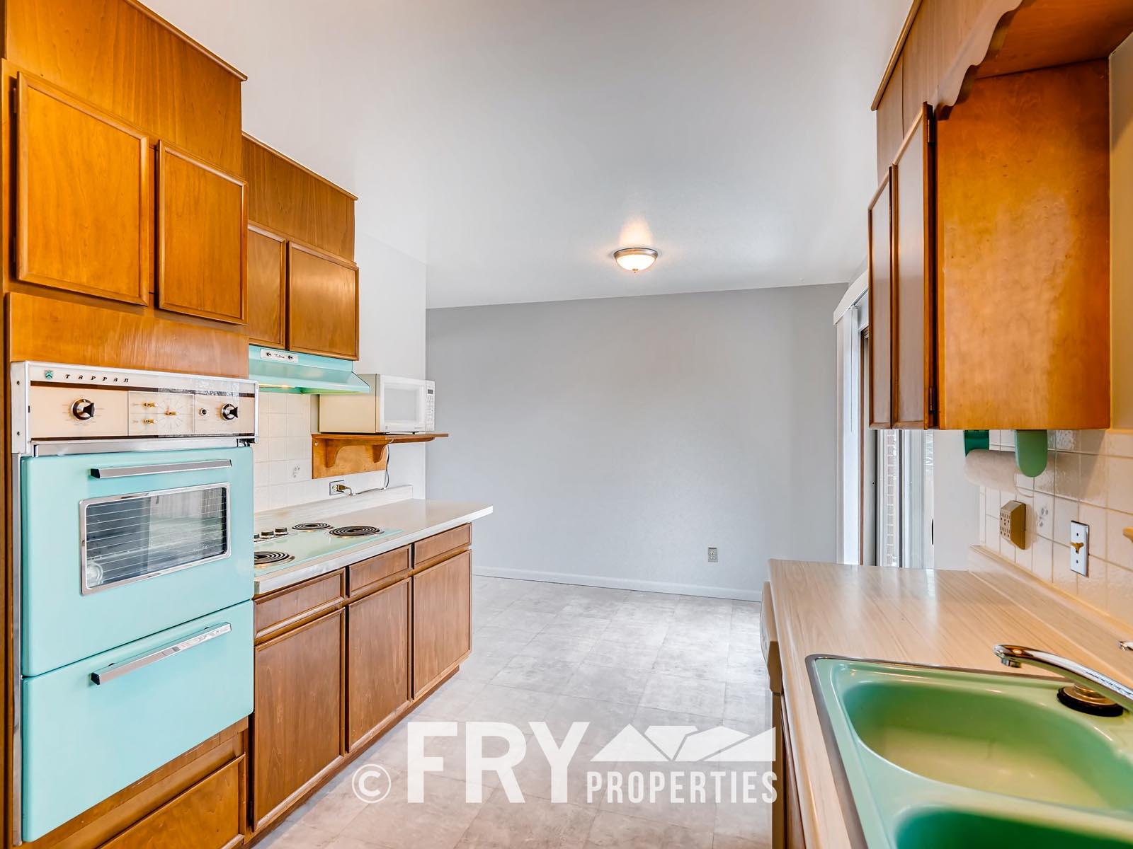 961 W 79th Place Denver CO-print-011-7-Kitchen-3600x2398-300dpi