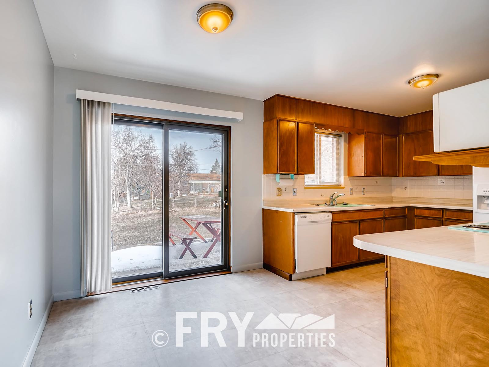 961 W 79th Place Denver CO-print-013-3-Breakfast Area-3600x2400-300dpi