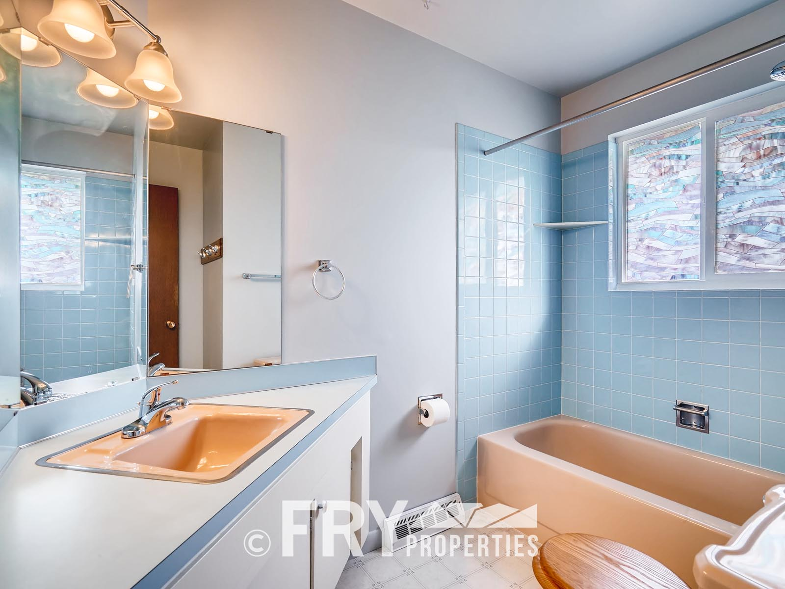 961 W 79th Place Denver CO-print-016-12-Master Bathroom-3600x2400-300dpi