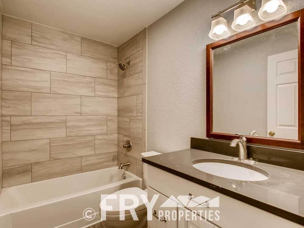 610 Logan Street 11 Denver CO-large-008-2-Master Bathroom-1500x1000-72dpi_1