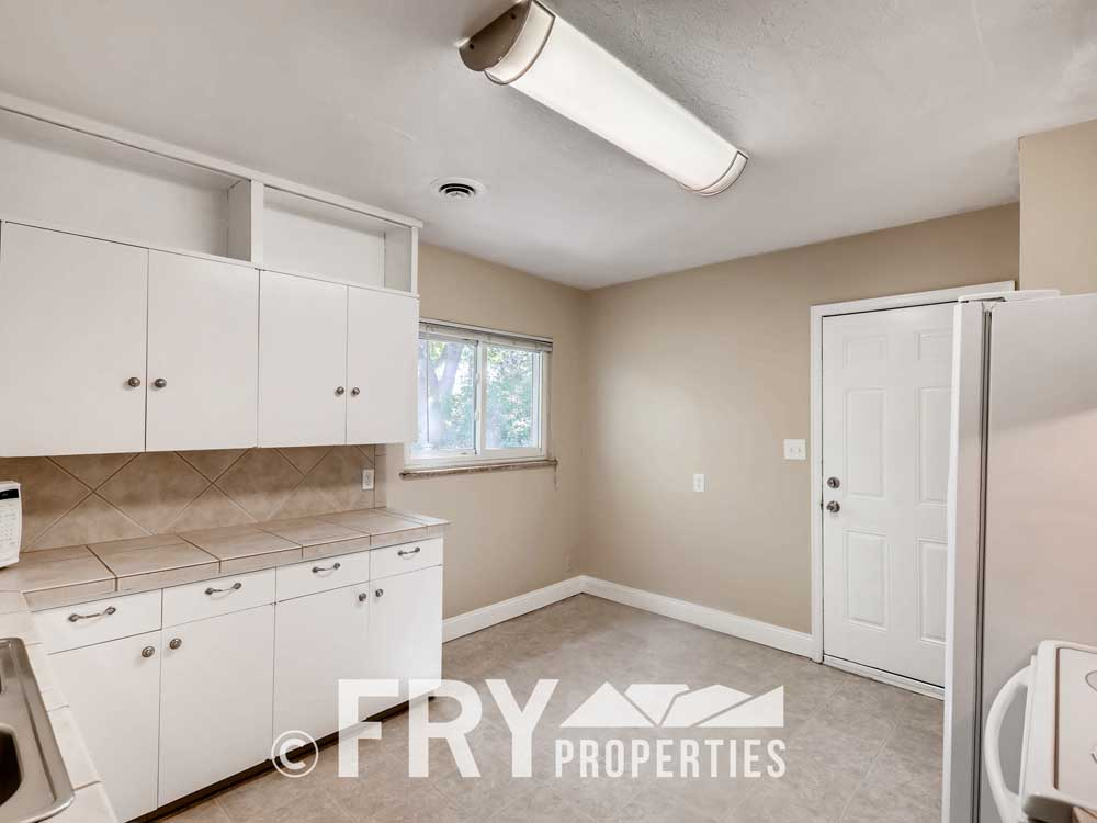 1121 Carr Street Lakewood CO-print-006-006-Kitchen-3600x2400-300dpi