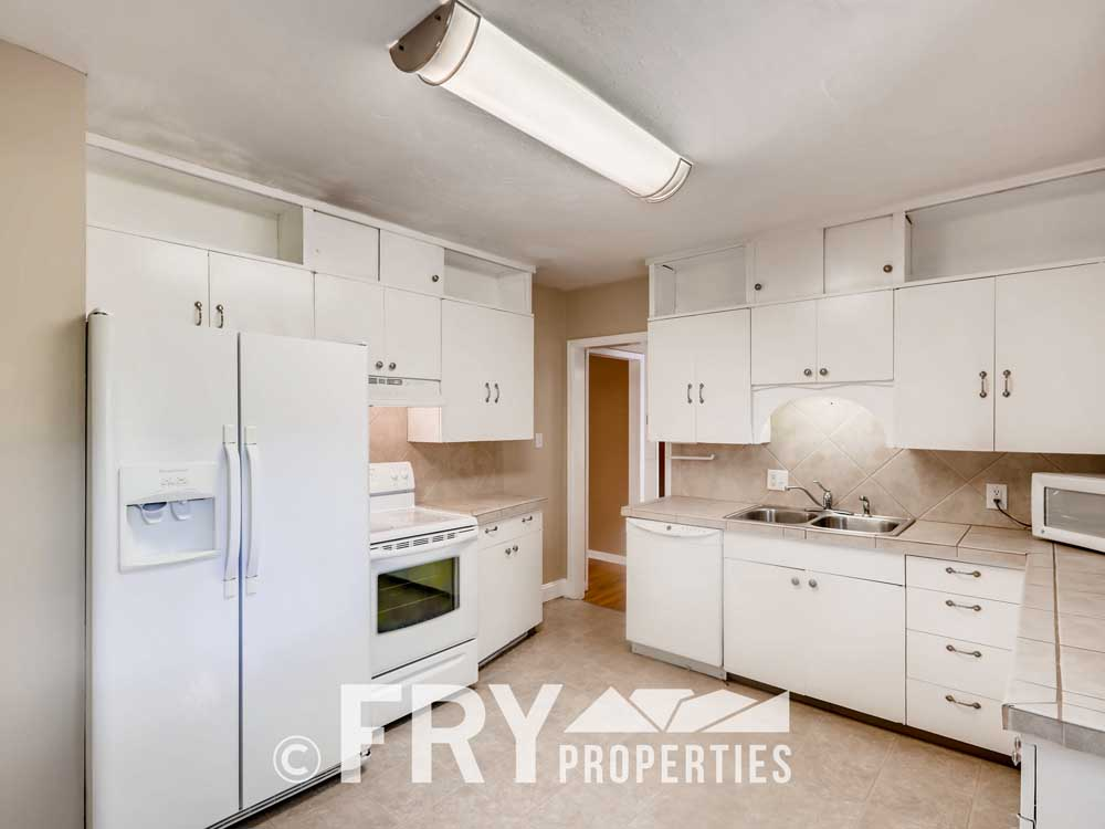 1121 Carr Street Lakewood CO-print-008-007-Kitchen-3600x2400-300dpi