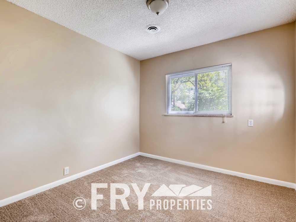 1121 Carr Street Lakewood CO-print-017-025-Bedroom-3600x2400-300dpi