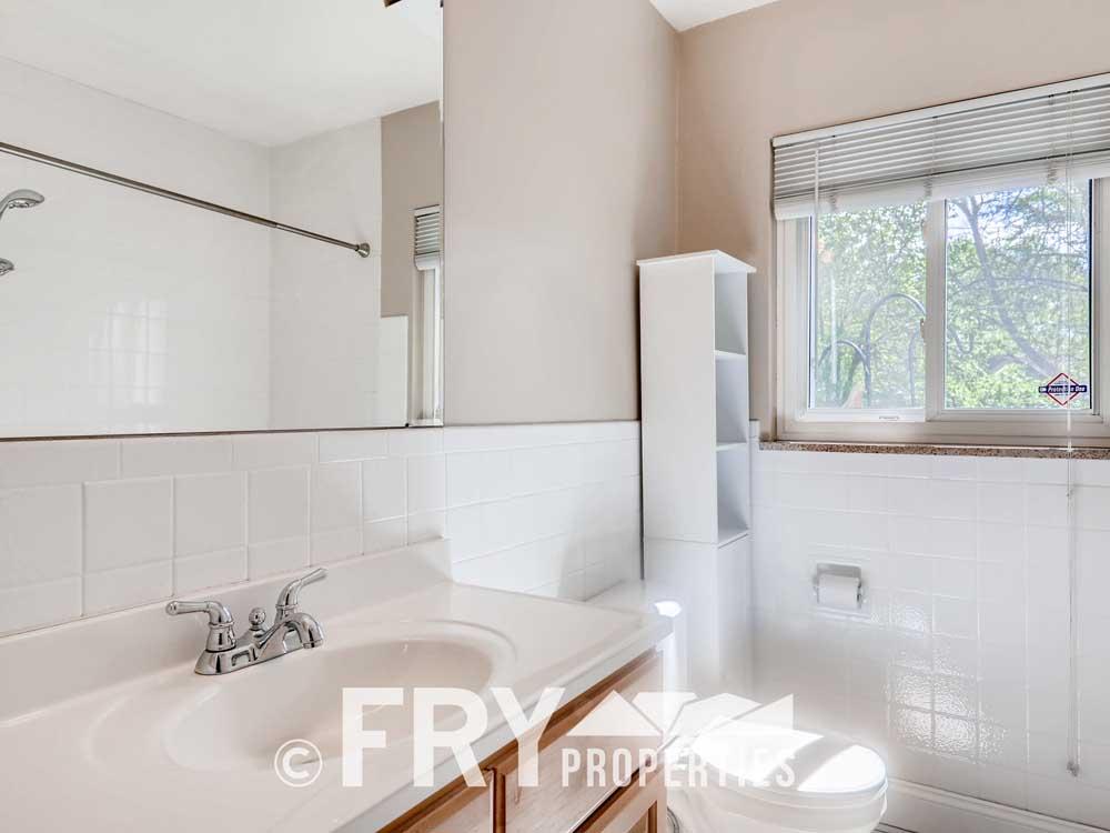 1121 Carr Street Lakewood CO-print-020-014-Bathroom-3600x2400-300dpi