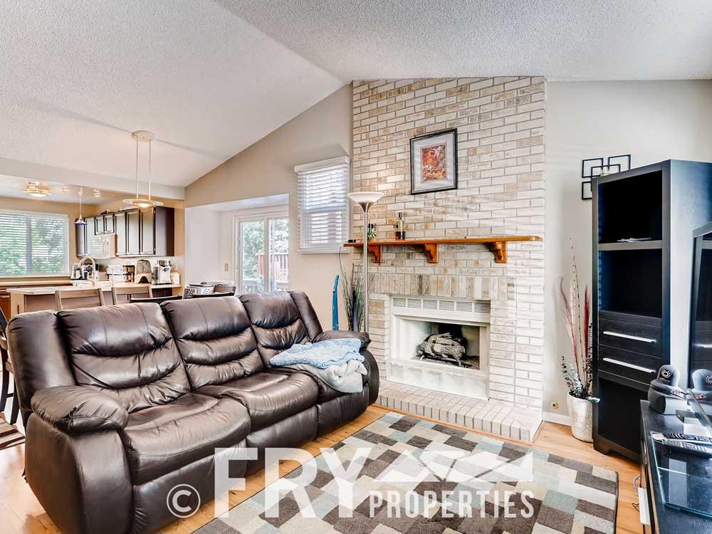 18979 E Mercer Drive Aurora CO-print-005-004-Living Room-3600x2400-300dpi