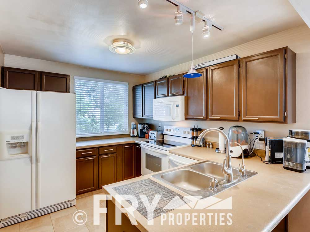 18979 E Mercer Drive Aurora CO-print-007-008-Kitchen-3600x2400-300dpi