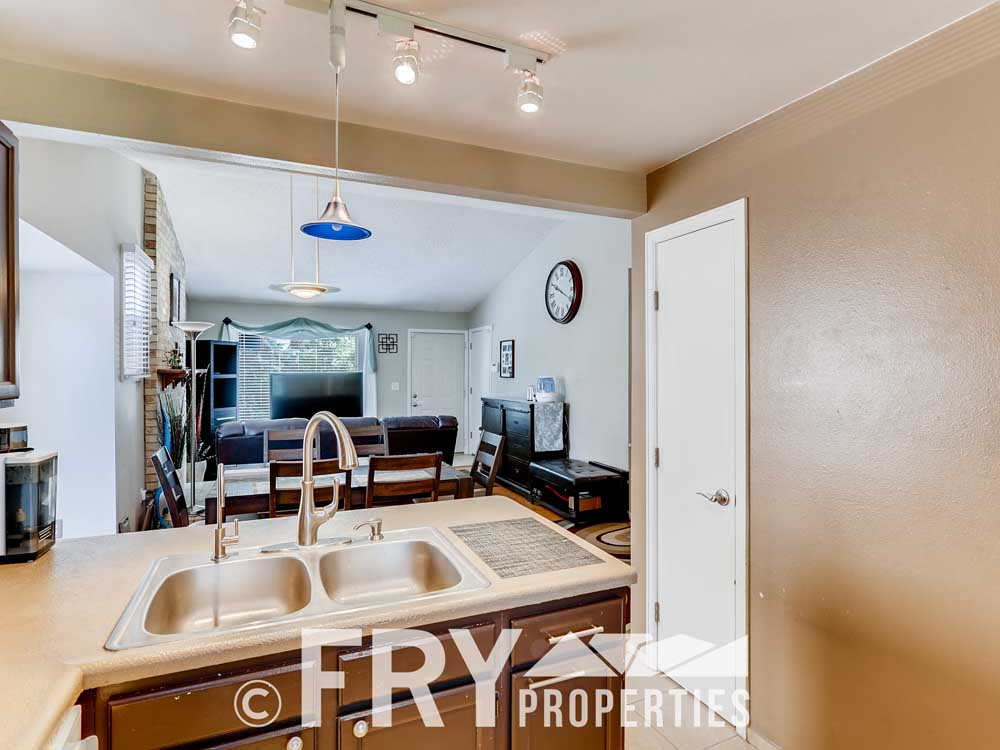 18979 E Mercer Drive Aurora CO-print-009-002-Kitchen-3600x2400-300dpi