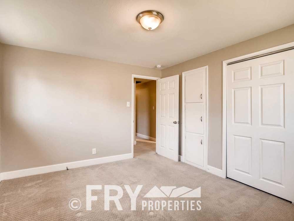 5510 Brentwood St Arvada CO-large-015-8-Master Bedroom-1500x1000-72dpi