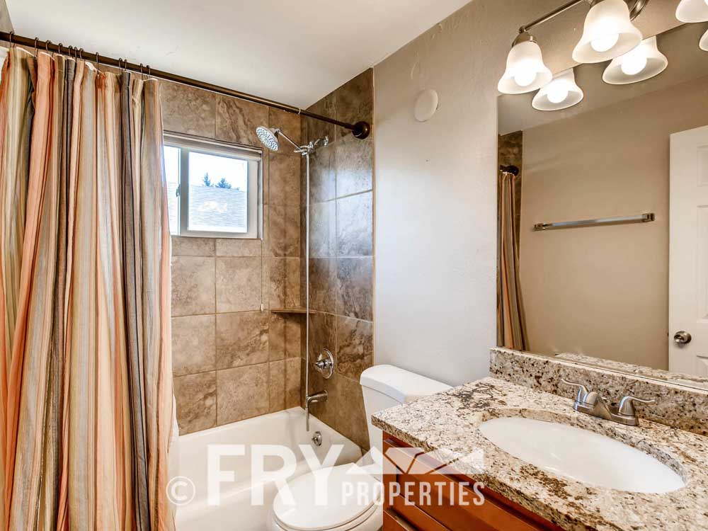 5510 Brentwood St Arvada CO-large-016-20-Master Bathroom-1500x1000-72dpi