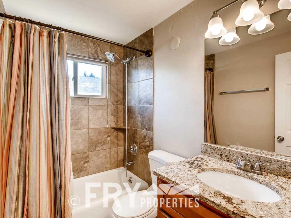 5510 Brentwood St Arvada CO-large-016-20-Master Bathroom-1500x1000-72dpi