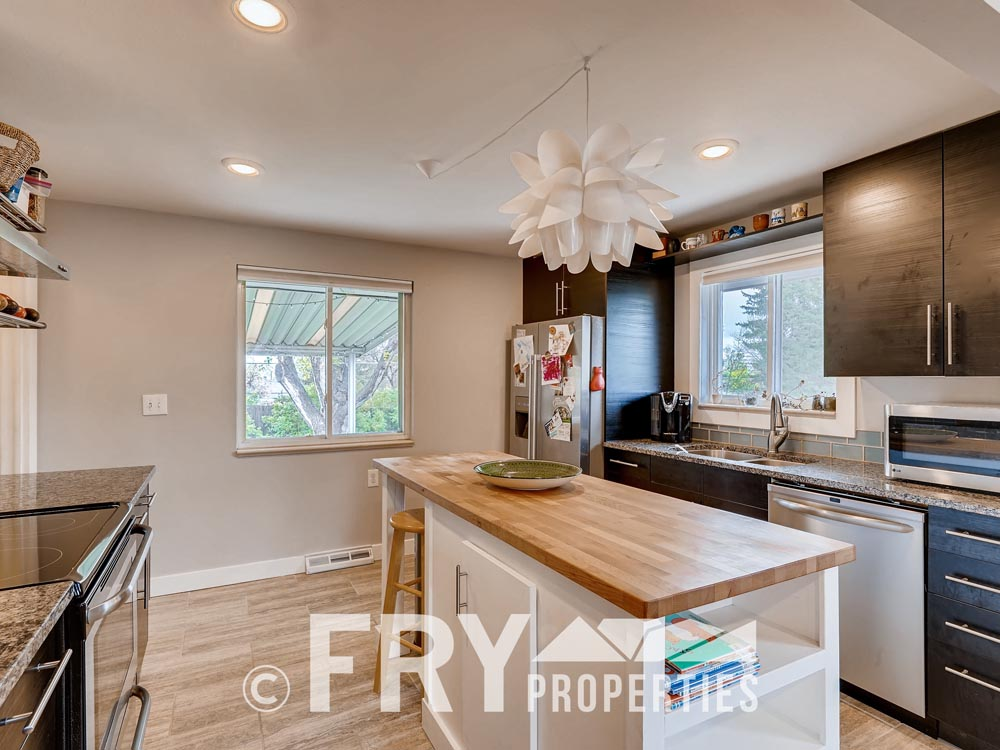 7074 Newland Street Arvada CO-print-008-2-Kitchen-3600x2401-300dpi