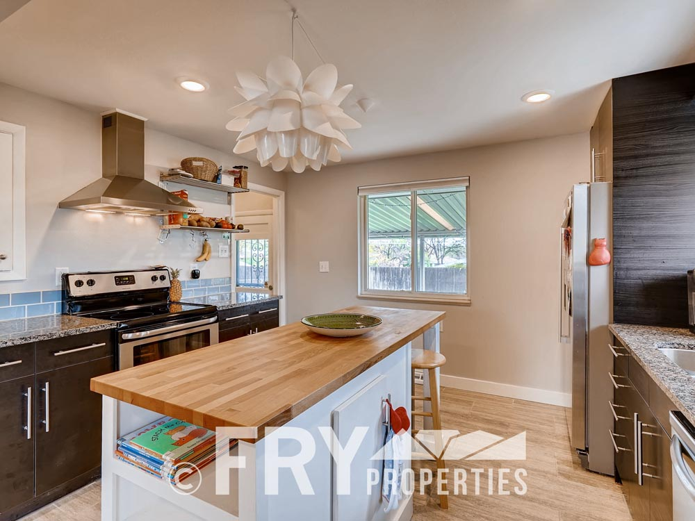 7074 Newland Street Arvada CO-print-009-10-Kitchen-3600x2400-300dpi