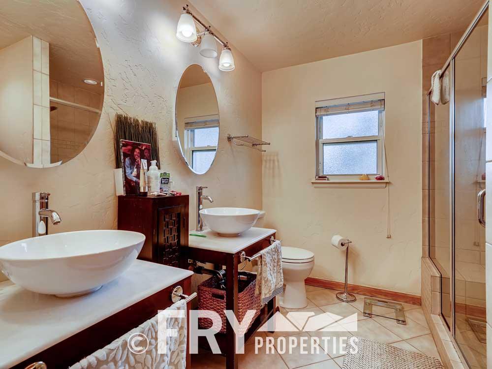 2807 W 46th Ave Denver CO-print-015-012-Master Bathroom-3600x2401-300dpi