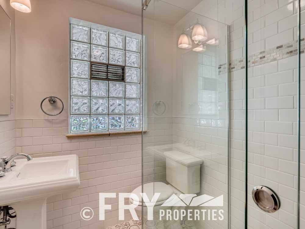 3031 W 40th Denver CO 80211-print-015-025-Bathroom-3600x2395-300dpi