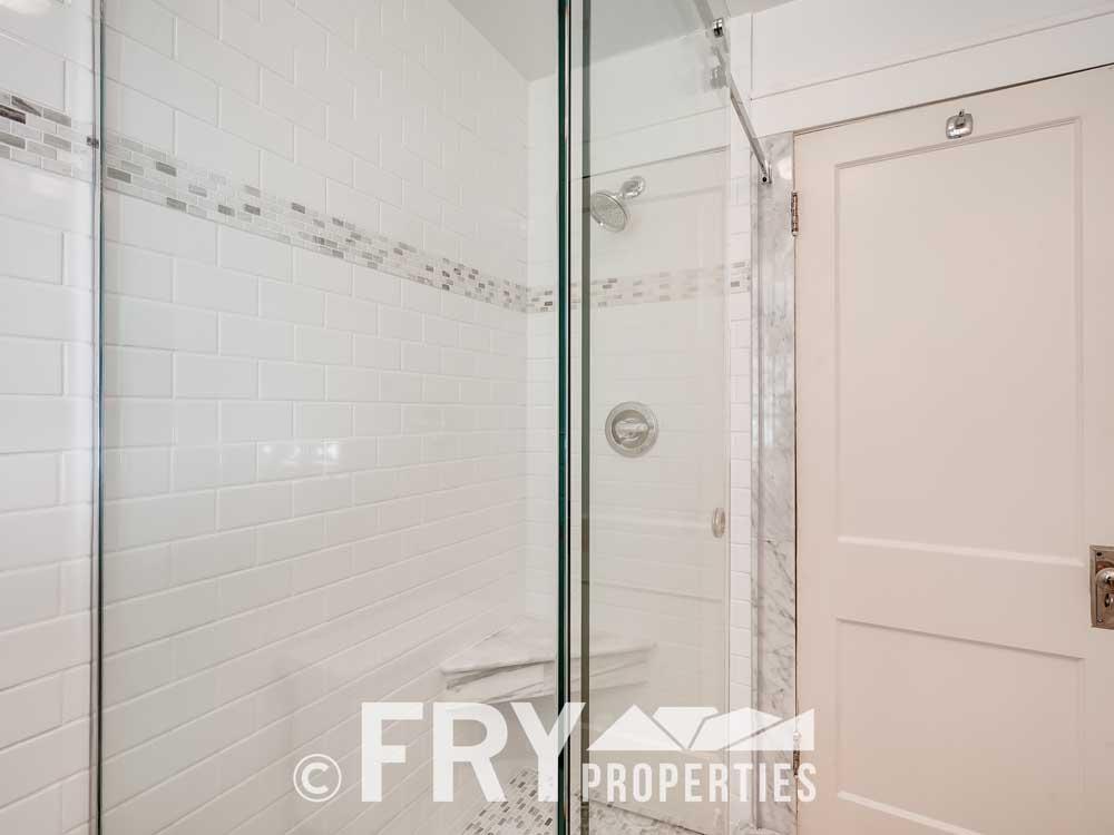 3031 W 40th Denver CO 80211-print-016-018-Bathroom-3600x2398-300dpi