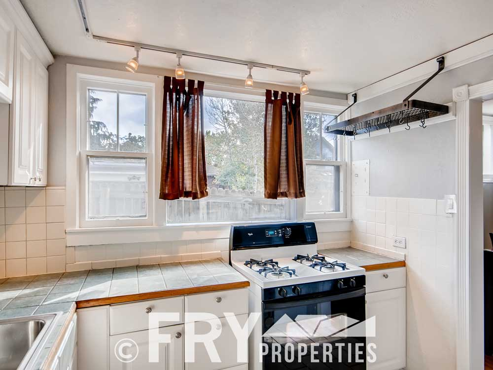 3070 W 35th Ave Denver CO-print-010-010-Kitchen-3600x2400-300dpi