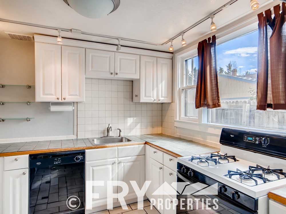 3070 W 35th Ave Denver CO-print-012-011-Kitchen-3600x2400-300dpi