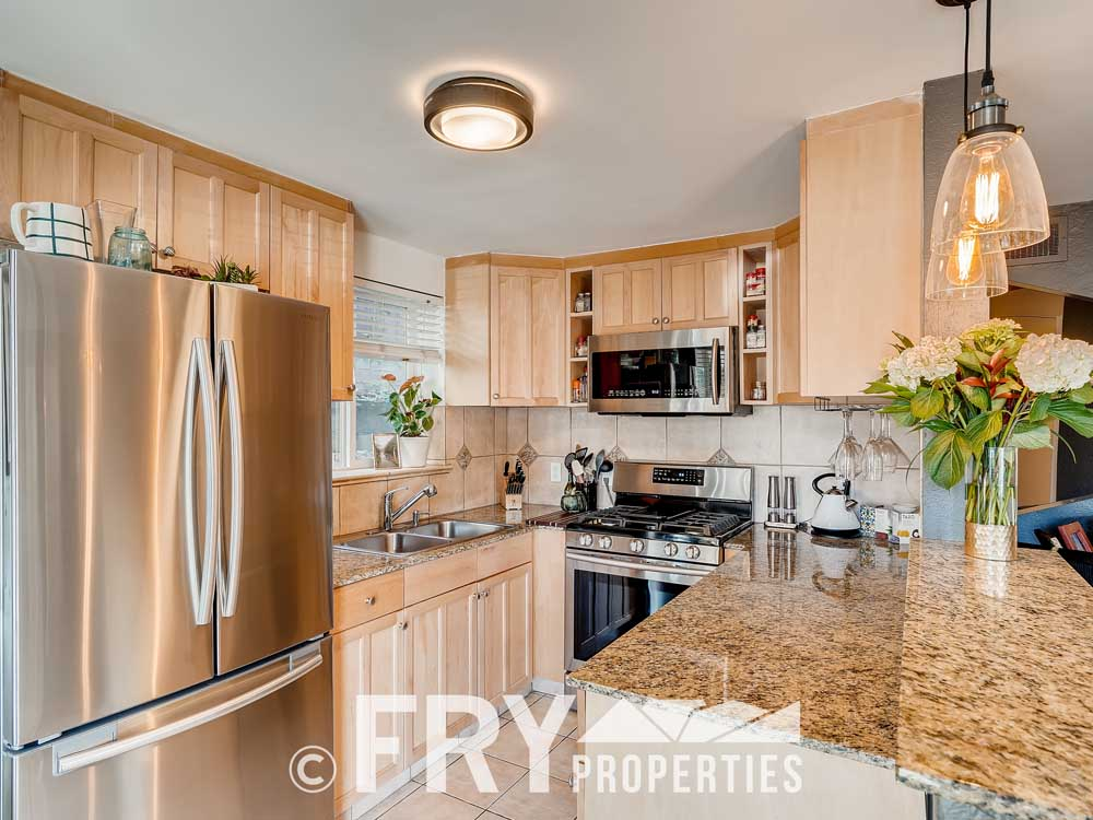 3215 Newton Denver CO 80211-print-006-005-Kitchen-3600x2399-300dpi
