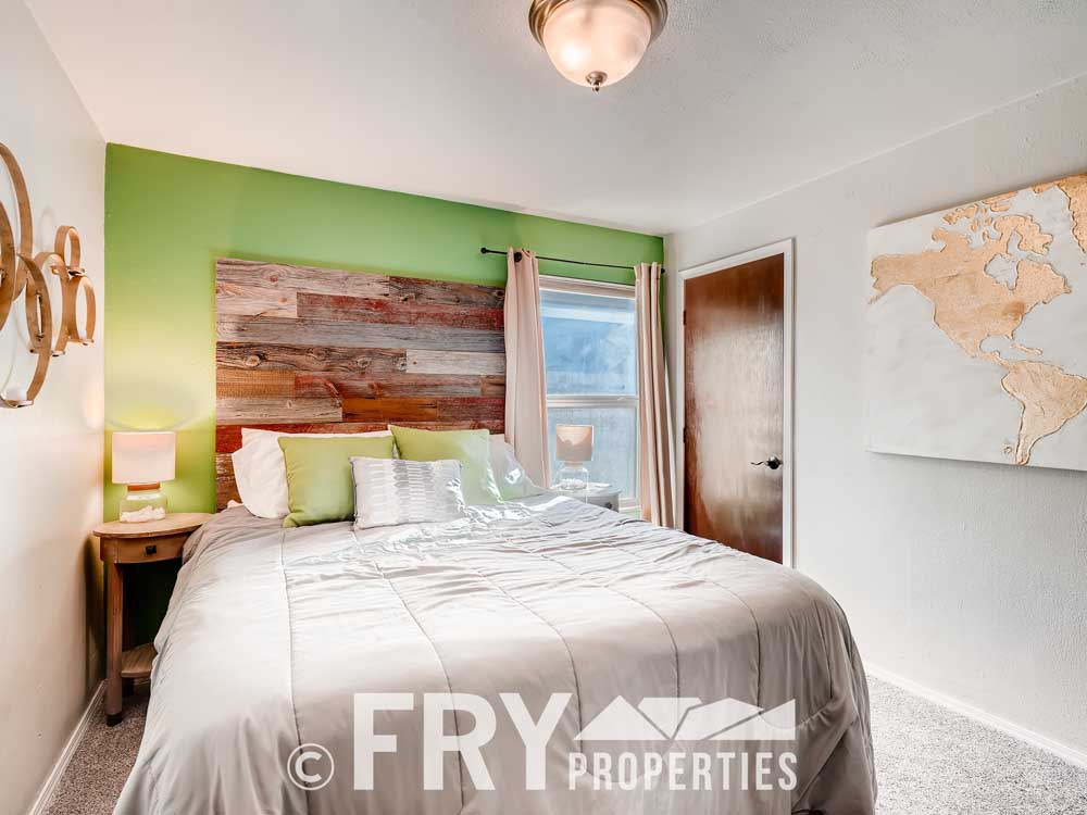 4568 Wolff St Denver CO 80212-print-020-025-Bedroom-3600x2400-300dpi