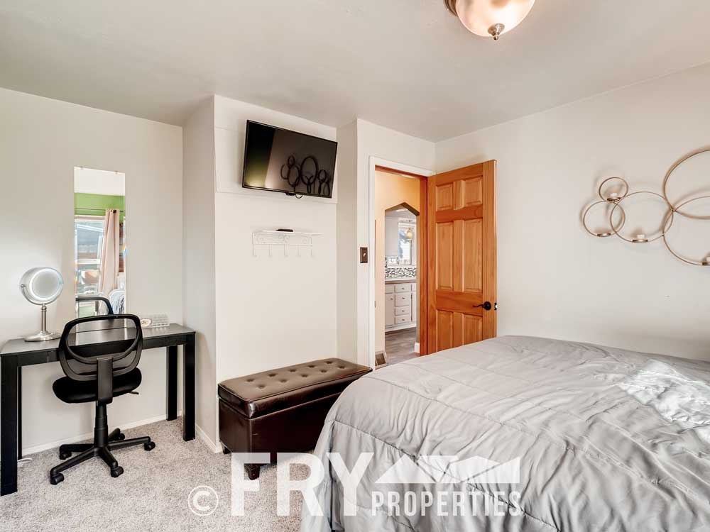 4568 Wolff St Denver CO 80212-print-021-020-Bedroom-3600x2399-300dpi