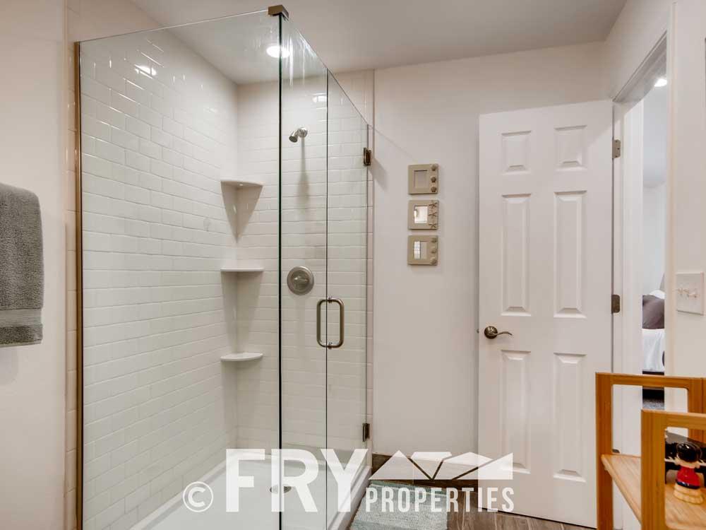 4568 Wolff St Denver CO 80212-print-036-035-Master Bathroom-3600x2400-300dpi