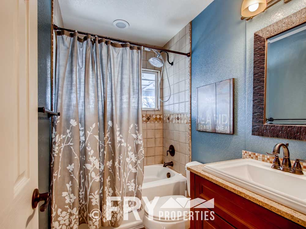 5025 Decatur St Denver CO-print-018-019-Bathroom-3600x2400-300dpi