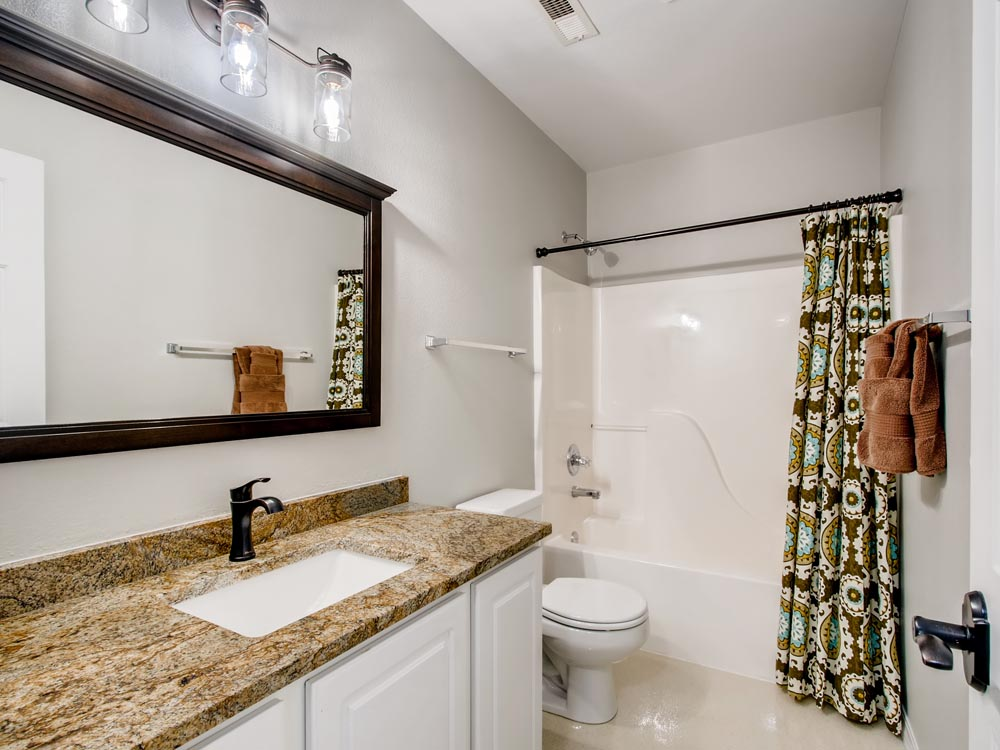 701 Entrada Dr Golden CO 80401-print-027-022-Lower Level Bathroom-3600x2400-300dpi