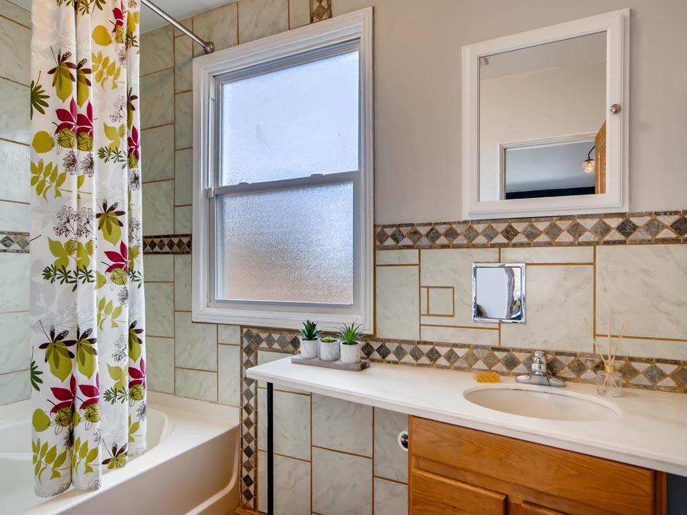 5130 Beach Court Denver CO-large-019-017-Bathroom-1500x1000-72dpi