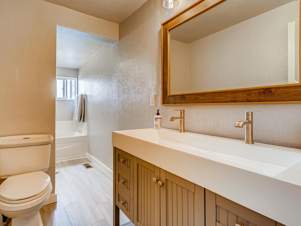 4870 Decatur St Denver CO-print-019-020-Master Bathroom-3600x2400-300dpi