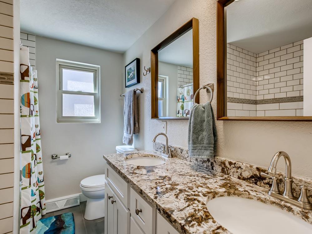 2874 Pierson Way Lakewood CO - Print Quality - 021 - 35 Primary Bathroom