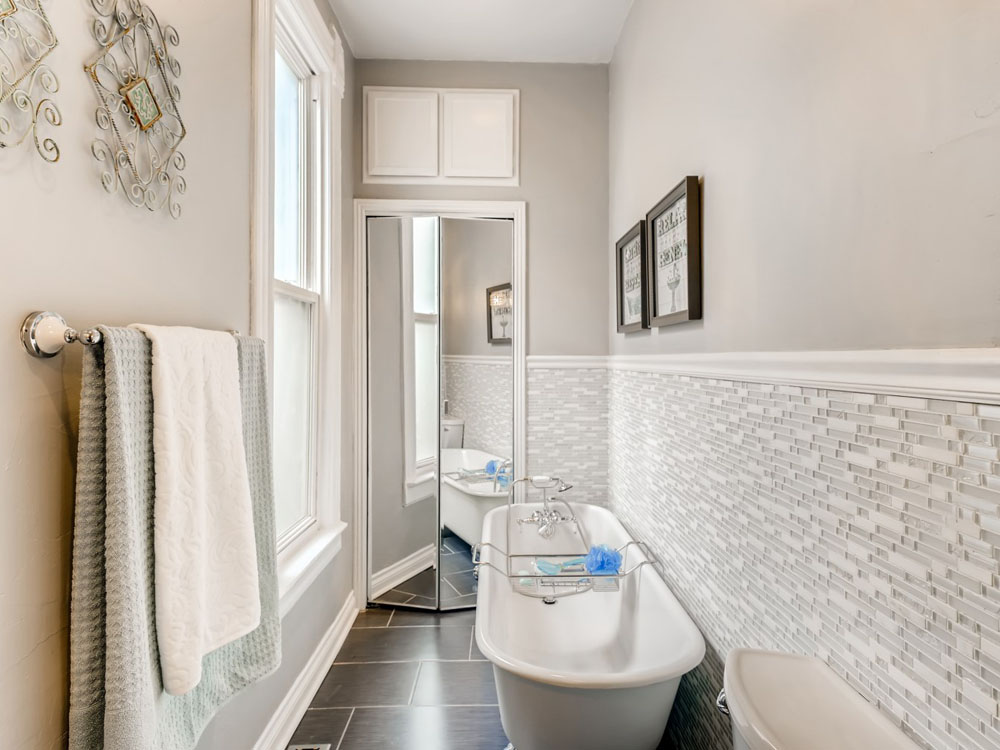 2621 W 34th Ave Denver CO - Web Quality - 014 - 30 Bathroom_1